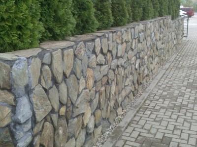 dlugi mur kamienny